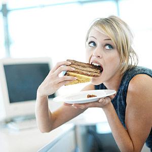Çok Yedikten Sonra Asla Yapmamanız Gereken 5 Şey!